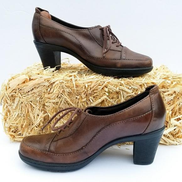 84fd36ee821 Clarks Shoes - Clark s shoes bendable Oxford bootie boots heels